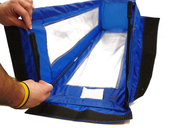 Fasten the Tent Shell to the infrastructure using the pre-aligned Velcro strips.